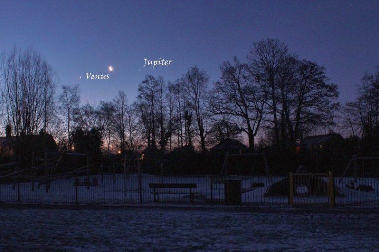 venus-moon-jupiter-1-31-2019-Steve-Pond-UK-e1548966890397