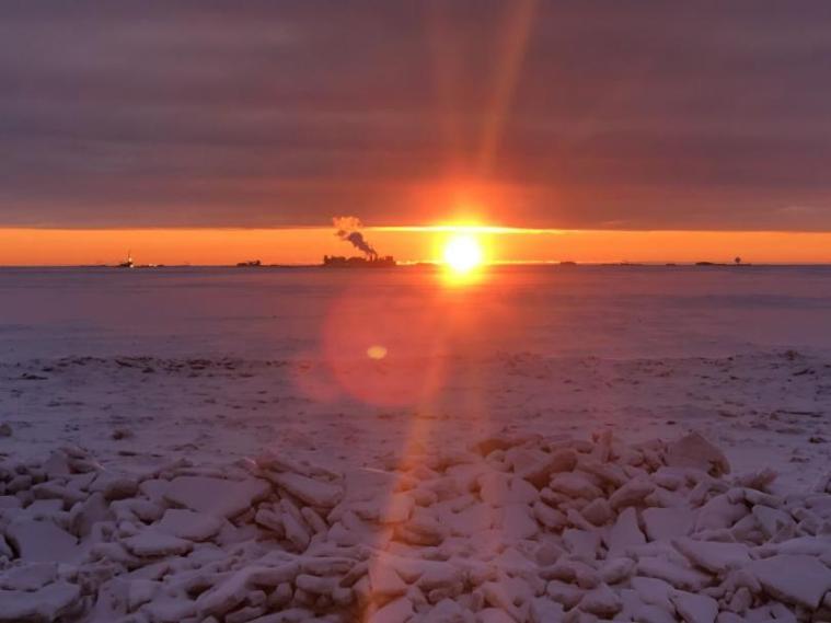 sunrise+from+Spy+Island+Prudhoe+Bay+photo+by+David+Warhus