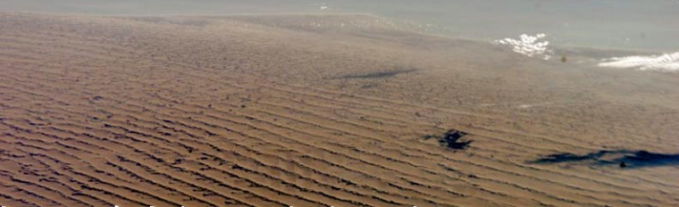 titan_dunes.jpg